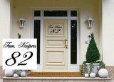 Deursticker Naam & Huisnummer. Kies je eigen lettertype_