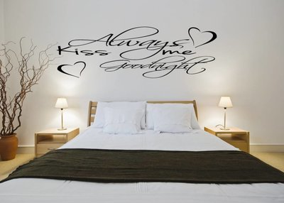 Always kiss me goodnight (2). Muursticker / Interieursticker